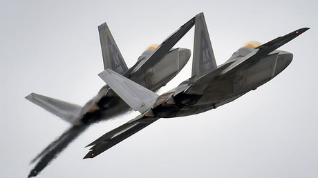 Two F-22 Raptor fighter jets © Justin Connaher