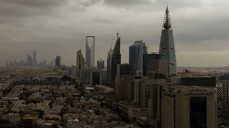 Clouds move over the Riyadh skyline © Faisal Al Nasser
