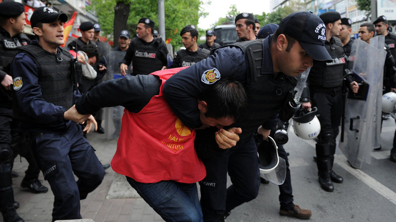 1 dead, police disperse Istanbul May Day protesters with tear gas, water cannon (VIDEOS)