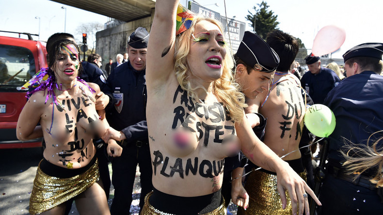 FEMEN activists arrested in Paris after topless protest against National Front (VIDEO)