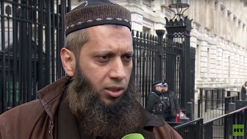 Muslim cleric branded ISIS supporter by Cameron demands apology