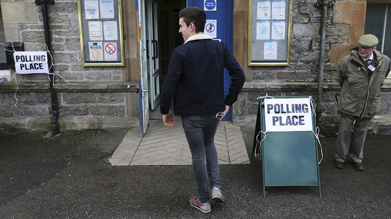 Tweet me first & I'll back you: Scottish leaders scramble on Twitter for a single vote
