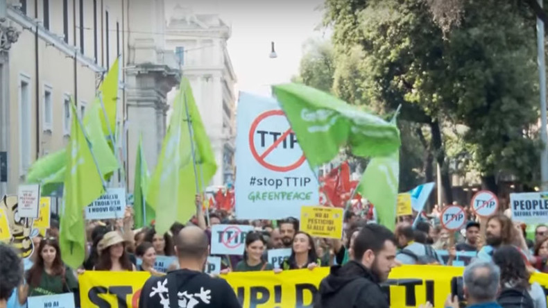 'People before profits!' Thousands rally against TTIP, US corporate rule, GMO & wars in Rome (VIDEO)