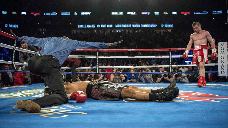 Canelo Alvarez knocks Amir Khan out in 6th round