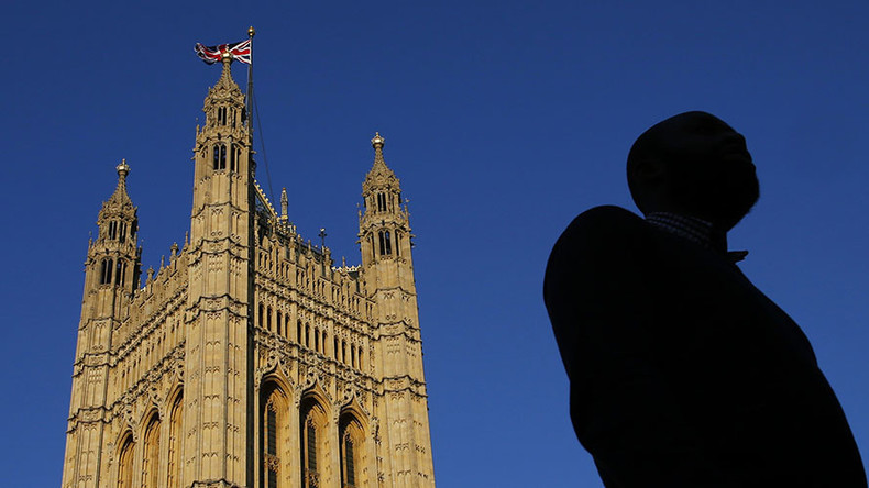 00-Seventies? UK diplomats' outmoded tech vulnerable to foreign spies, report says