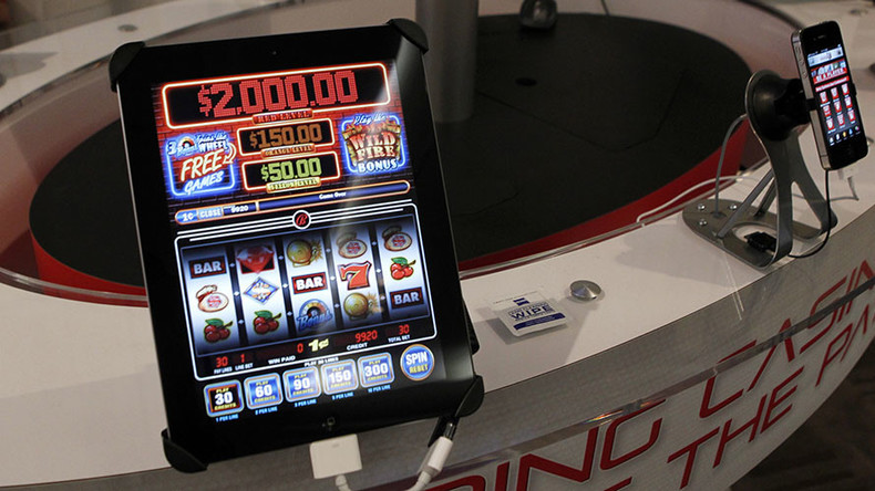 Lawmakers mull fighting online gambling by fining users of casino websites