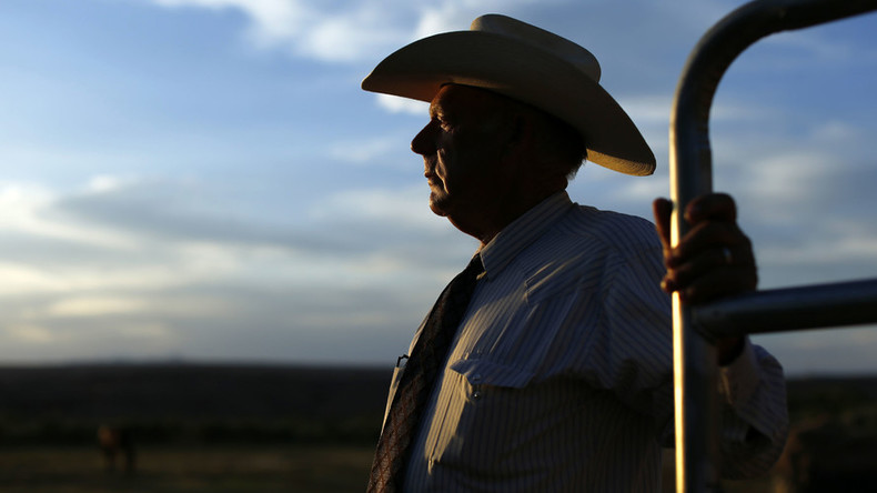 Bundy sues Obama, Nevada officials as groups urge govt to seize his cattle