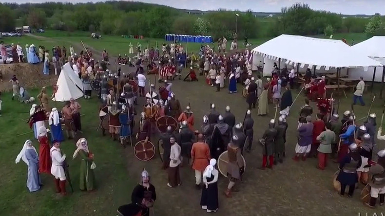 Javelin-thrower takes down drone at Russian medieval reenactment festival (VIDEO)