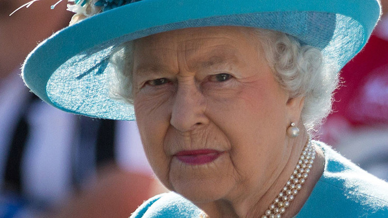 Queen overheard calling Chinese officials 'very rude' (VIDEO)
