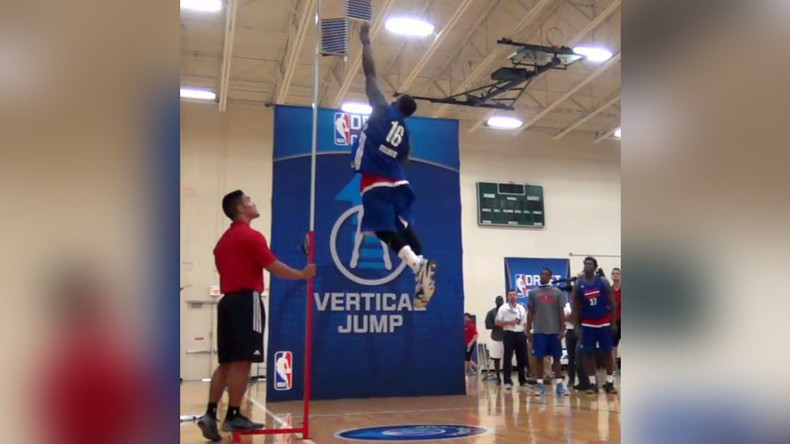 Oakland's Kay Felder jumps into NBA draft spotlight (VIDEO)