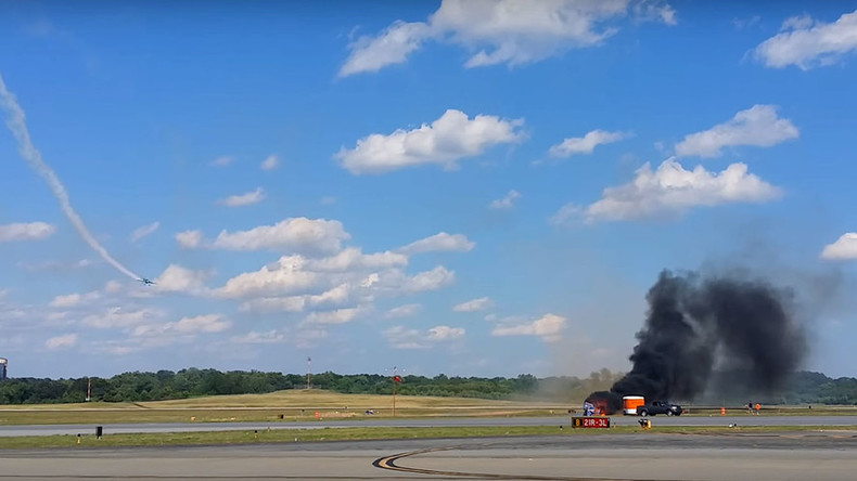 Stunt pilot killed in fiery plane crash at US family airshow (VIDEO)