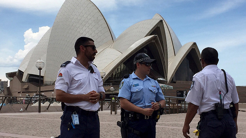 Teen 'planning to join ISIS' arrested in Sydney for alleged terror attack preparations