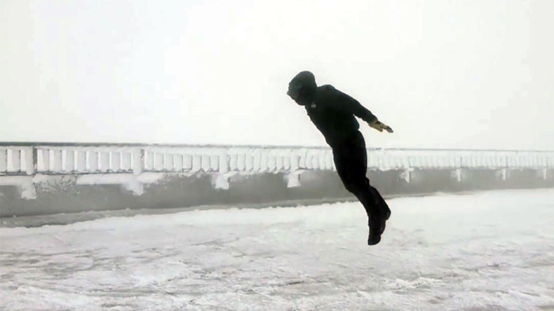 High-fliers: Meteorologists tackle 100mph winds on Mt Washington (VIDEO)