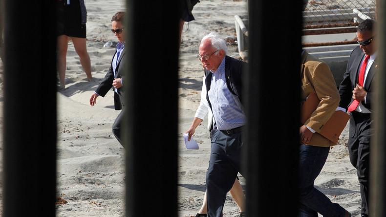 Bernie Sanders visits US-Mexican border, slams Obama's deportation policies (PHOTOS, VIDEO)