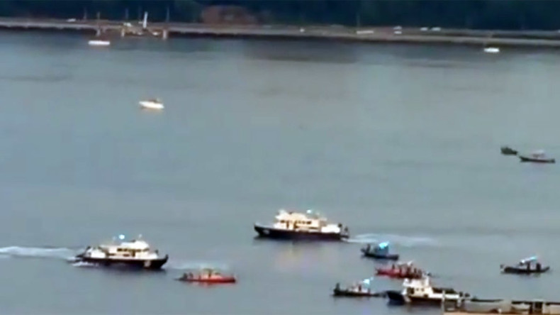 Plane crash in Hudson River, search and rescue ongoing