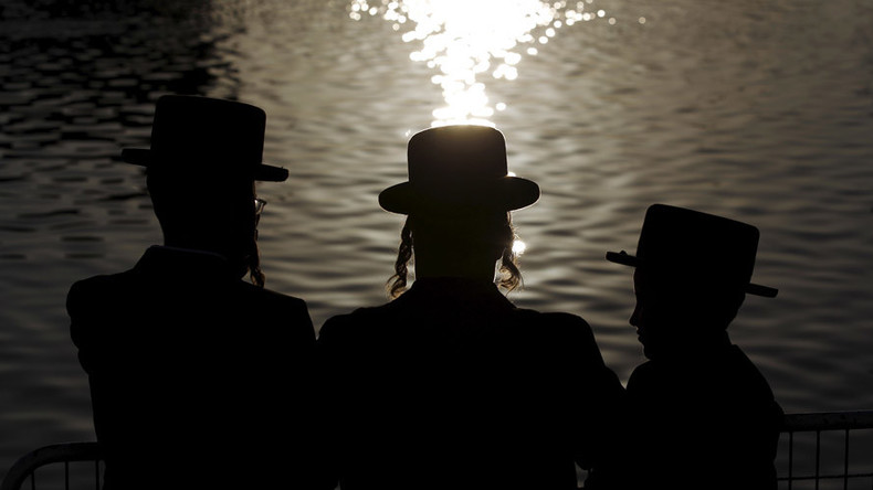 Jewish community claims it is being pushed out of Montreal neighborhood