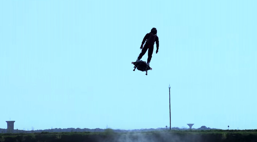 'Green Goblin' hoverboard flies into record books with incredible stunt (VIDEOS)