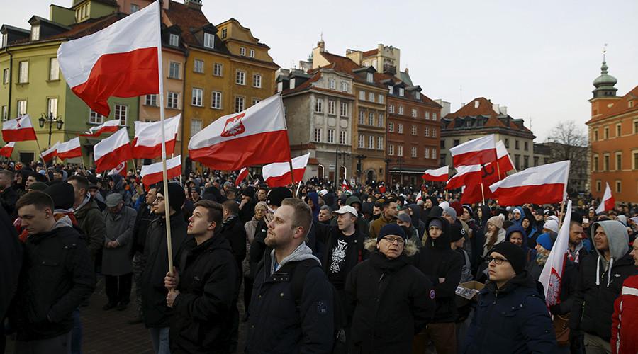 Poland 'won't accept refugees because of threat to security' – Kaczynski