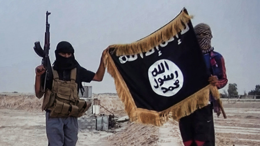 UK-trained navy officer joins ISIS, experts fear shipping attacks