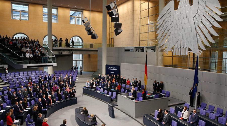 German MP recites notorious anti-Erdogan poem in front of Bundestag (VIDEO)