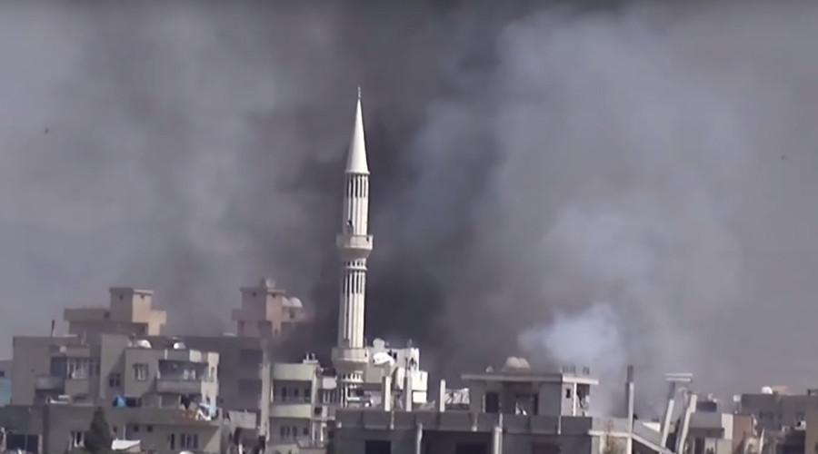Turkish Army shells Kurdish-majority town at Syria border (VIDEO)