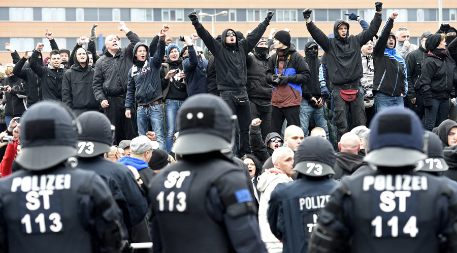 Refugee reaction? Extremist violence 'explodes' in Germany in 2015, far-right crimes spike by third
