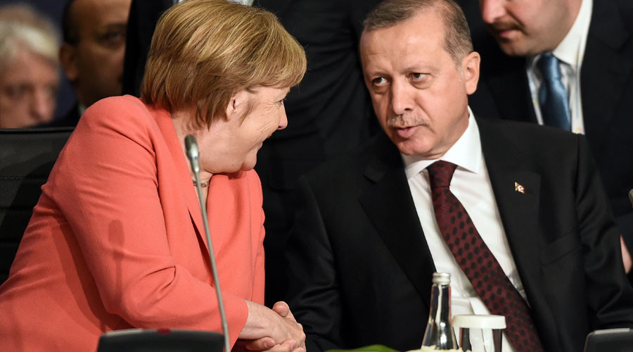 EU-Turkey migrant deal: Ankara says it has other options, Merkel not anxious