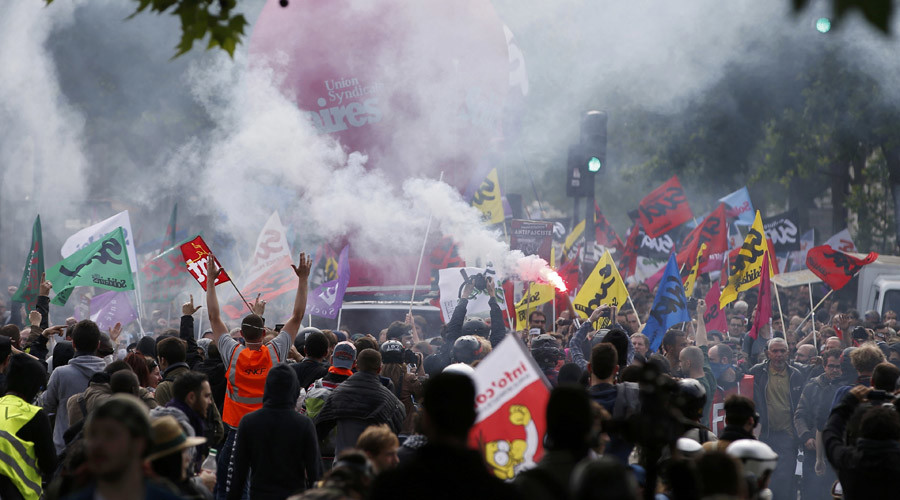 French union warns of disruption to Euro 2016 soccer cup unless govt backs down on labor reform