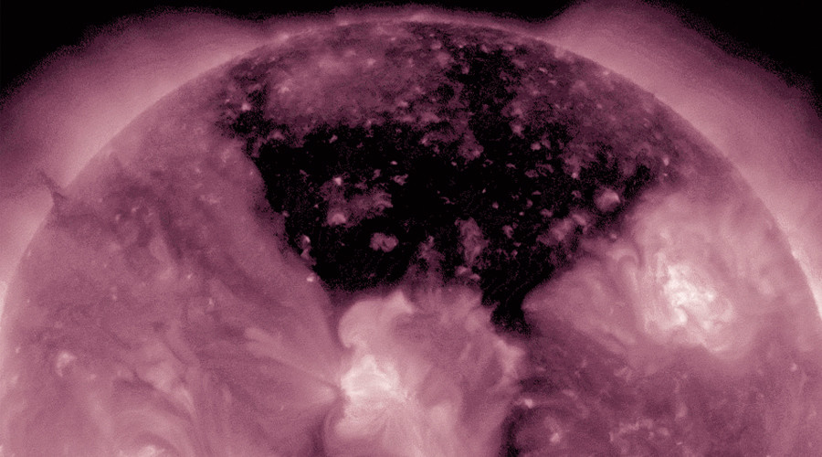 Coronal hole paints sun black in stunning NASA video