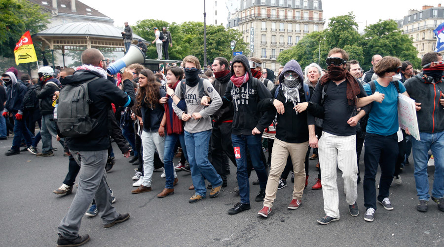 Chaos, uncertainty & anger: 5 ways anti-labor reform protests disrupt life in France