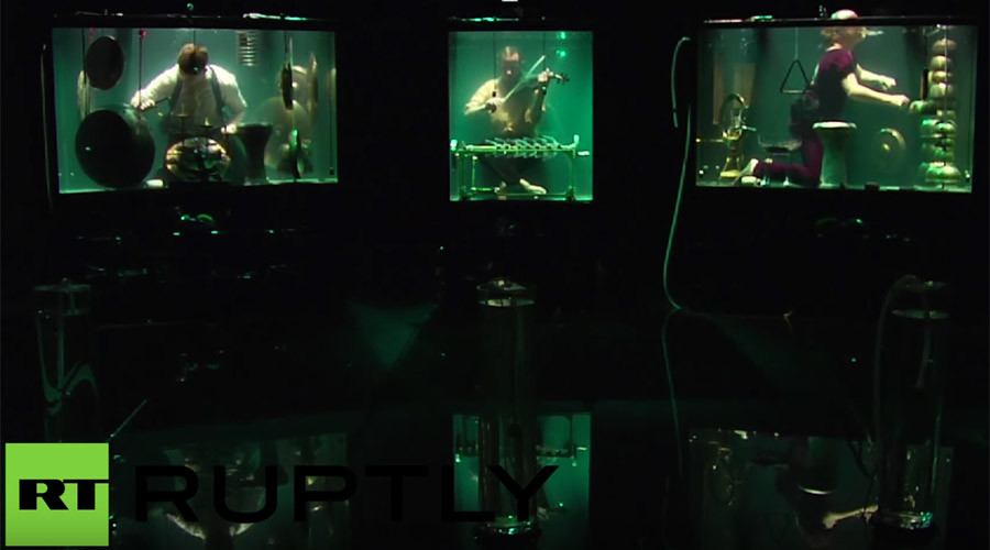 World's first underwater band makes debut at Rotterdam festival (VIDEO)