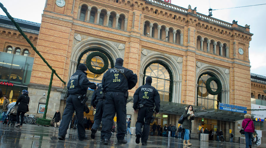'Surprise the unbelievers': 15yo German girl knifed policewoman 'under orders from ISIS'