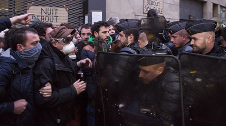 Clashes, tear gas as police evict 277 asylum seekers from Paris high school (PHOTOS, VIDEOS)