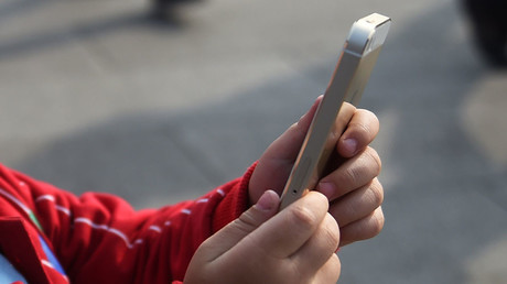 Kids aren't washing & can't converse... but they can unlock an iPhone, says report