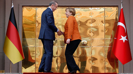 Turkey's President Tayyip Erdogan and German Chancellor Angela Merkel © Altan Burgucu