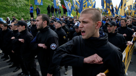 Armed fighters demanding warlord's release block Kiev court