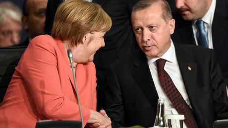 German Chancellor Angela Merkel and Turkish President Tayyip Erdogan during the World Humanitarian Summit in Istanbul, Turkey, May 23, 2016. © Ozan Kose