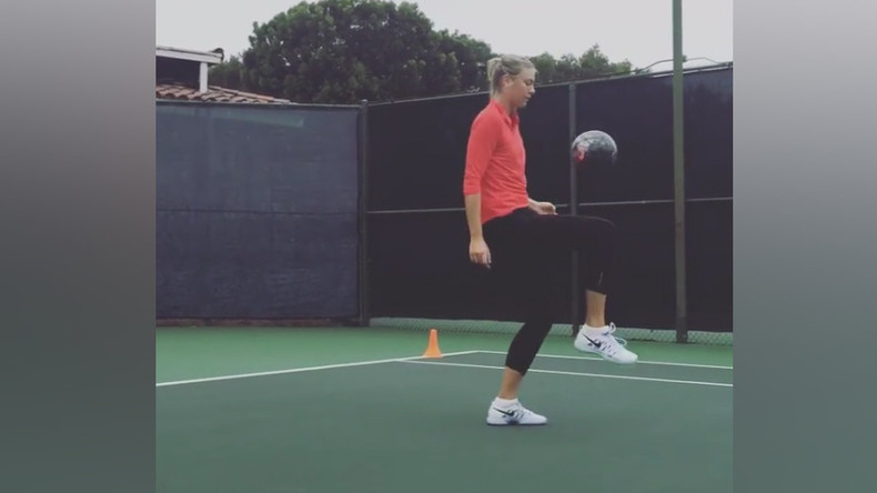 Sharapova shows off her football skills (VIDEO)