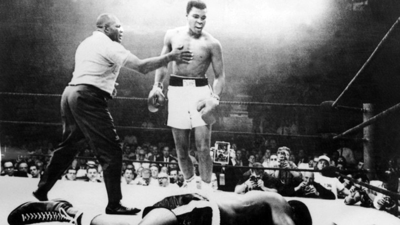 Boxing legend Muhammad Ali dies at age 74