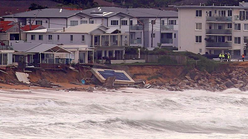 3 dead, several missing after devastating storm ravages Australia's eastern coast (PHOTOS, VIDEOS)