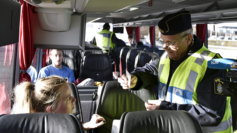 Muslim border inspector refuses to shake hands with female colleagues in Sweden