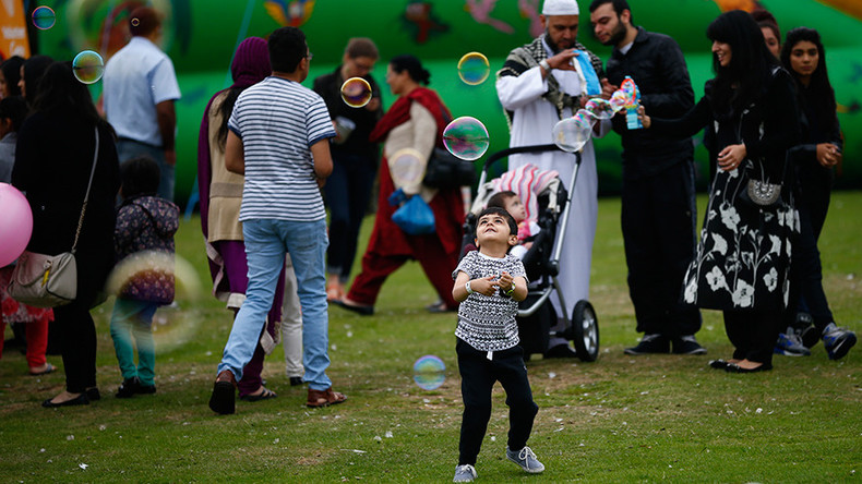 Islam is incompatible with UK values say 56% of Brits – poll