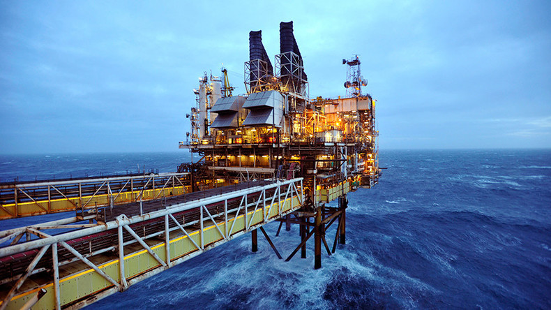 Oil crisis: 120,000 UK job losses expected by year-end