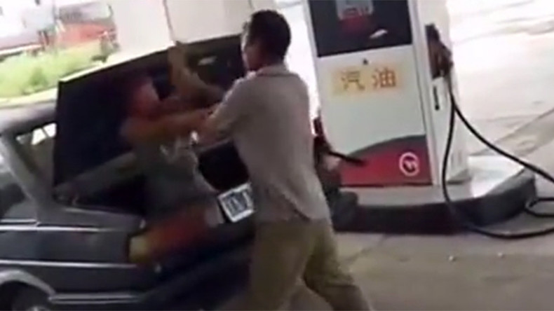 Man attacks woman, forces her into car trunk at Chinese gas station as witnesses stand by (VIDEO)