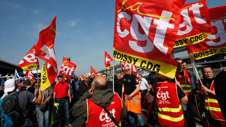 Euro political football 2016: France plays populism to red card workers' rights