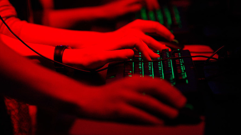 Spanish intelligence to recruit 500 agents to spy on ISIS online