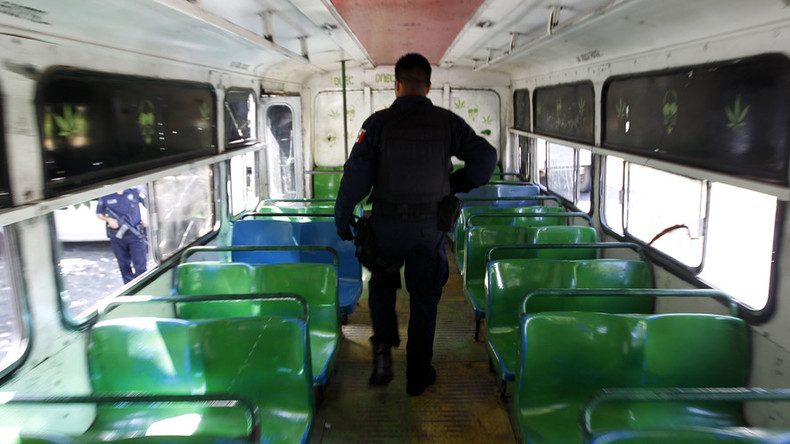 It's Mexico, baby: 1 bus robber killed by friendly fire, another mauled by passengers