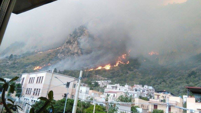 Raging wildfires spark evacuations in Sicily, police suspect arson (PHOTOS)