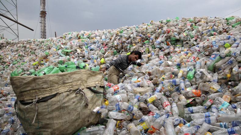 Scientists reveal efficient way to degrade a plastic bag into liquid fuel