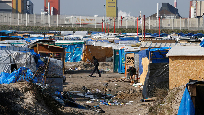Calais migrants camp alive despite clampdown, asylum seekers flood other coastal towns
